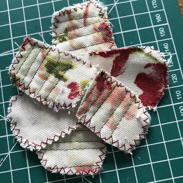 scrap fabric flowers zig zag stitch