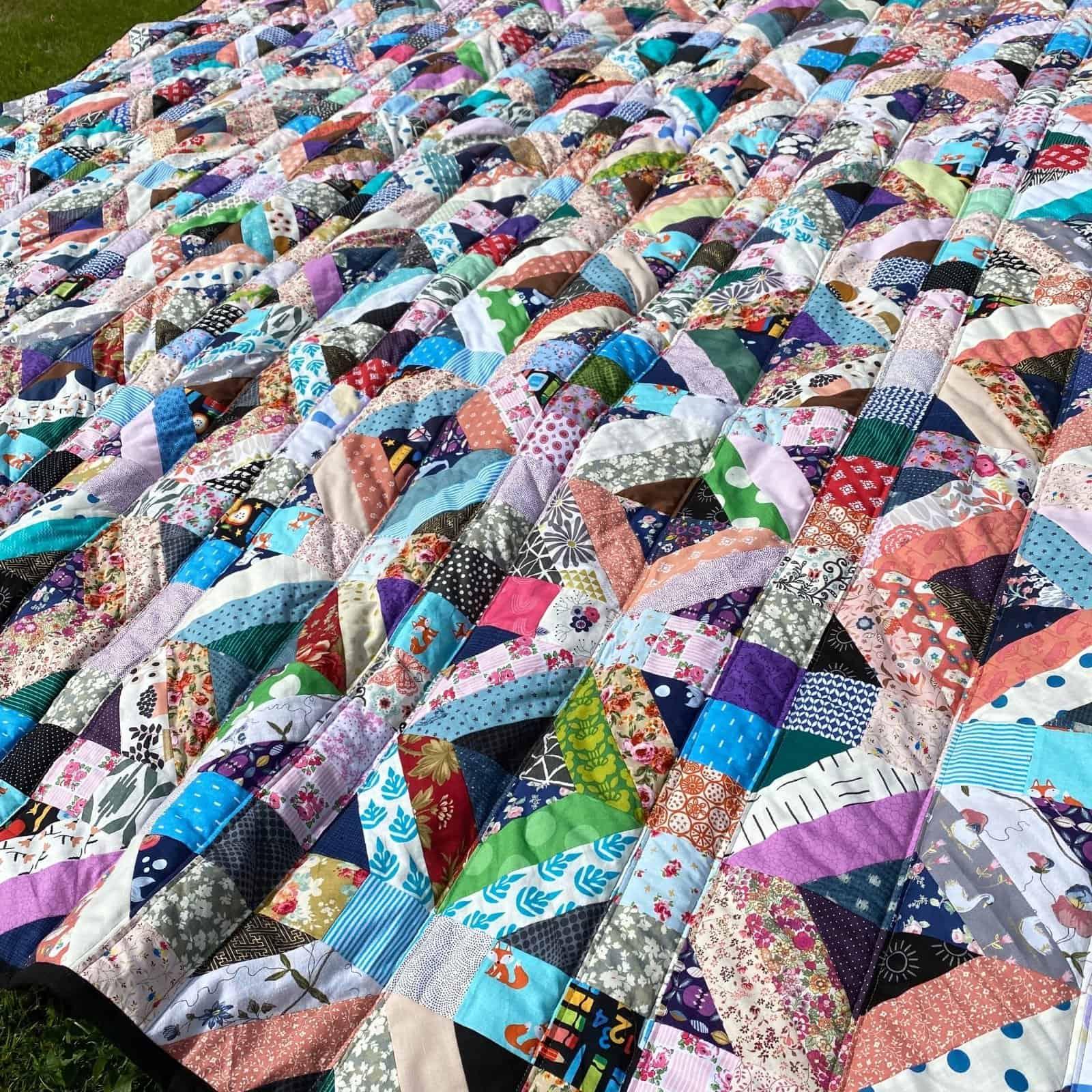 queen sized scrap quilt quilt as you go